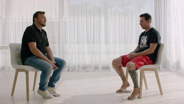 梅西穿着拖鞋亮相,他说的每一个字都是对巴萨