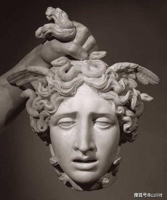蛇发女妖美杜莎,变成蛇发之前居然是个大美女图片