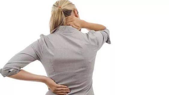 8个瑜伽动作每天练,缓解坐骨神经痛,效果杠杠滴_双腿