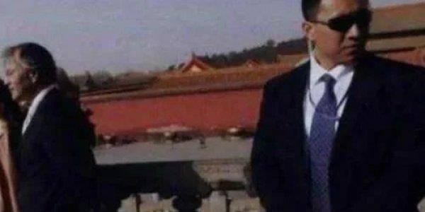 """中国""""最牛""""保镖,股神曾让他掩护,看"""