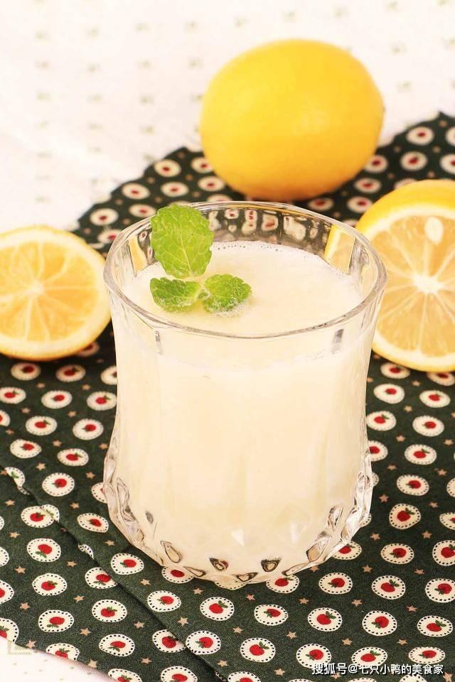 【马蹄柚子柠檬汁】三者搭配,酸甜美味,不但口感鲜美,还具有减肥功效噢!
