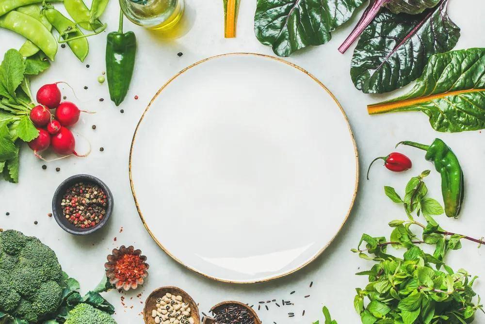 倩狐减肥:食物也可以排水肿!7种食物帮你消肿,看起来瘦一圈
