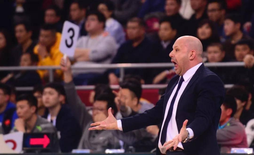 为北京打造团队篮球 场下刚柔并济