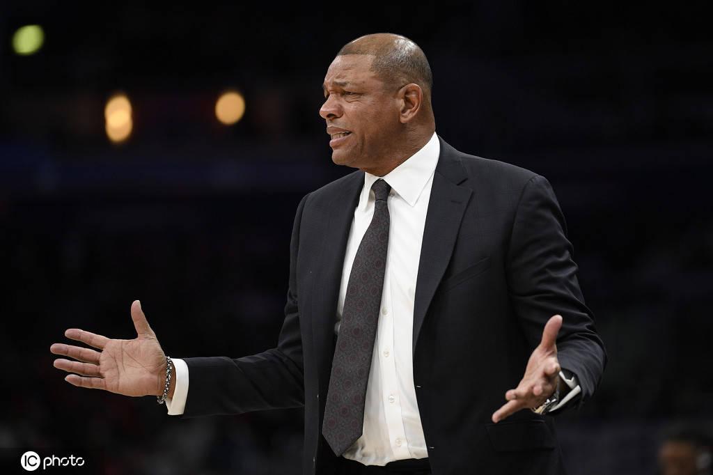 里弗斯为失利主动揽责 小卡:球队篮球智商需提高