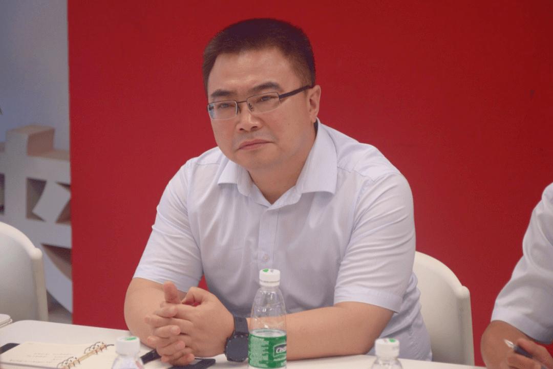 河津市区域教育与成长促进委员会书记李效武一