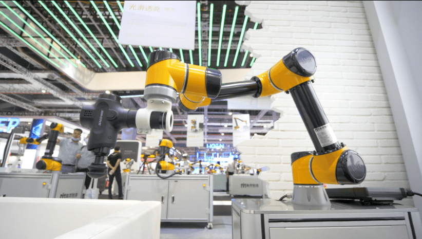 集萃智造发布两款协作机器人新品,布局未来产业生态!