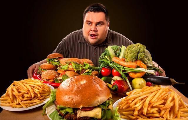 什么样的胃痛可能与胃癌有关?需要警惕的是,伴有其他症状的胃痛