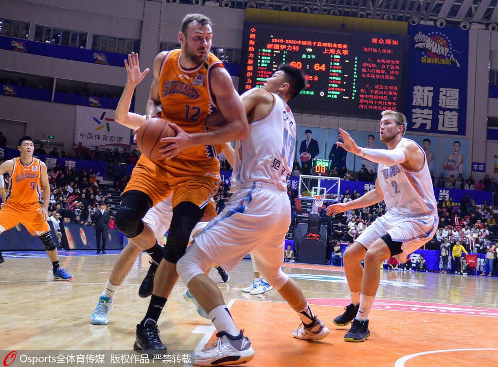 新疆男篮与莫泰签1年合同