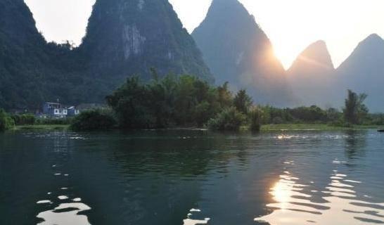 中国第一个拥有1000万游客的县 人口只有