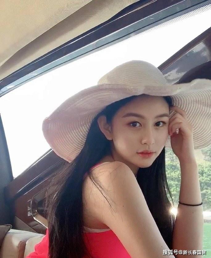 """邱淑贞20岁女儿近照曝光,被称为""""最美星二代""""却无意进演艺圈"""