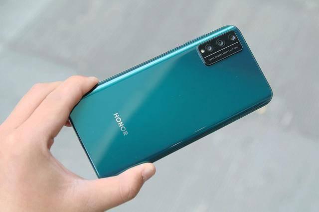 华为手机别乱买,从千元到高端,这5部华为手机才是最好的选择