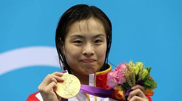 奥运冠军何姿的现状 在她长胖后 被网友