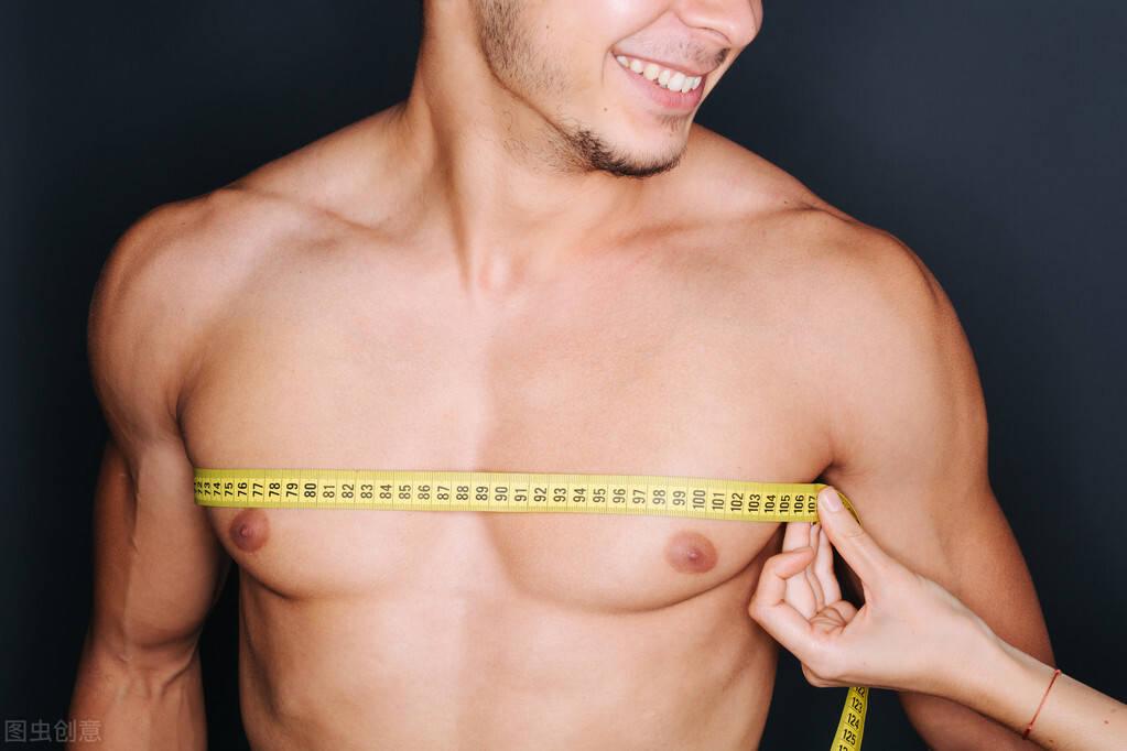 怎么练出饱满的胸肌?一组练胸动作,全面雕刻上中下胸肌!