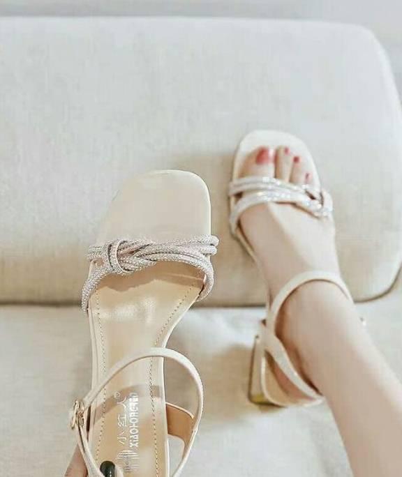 今年夏天从六只凉鞋开始!舒适、易穿、时尚 配