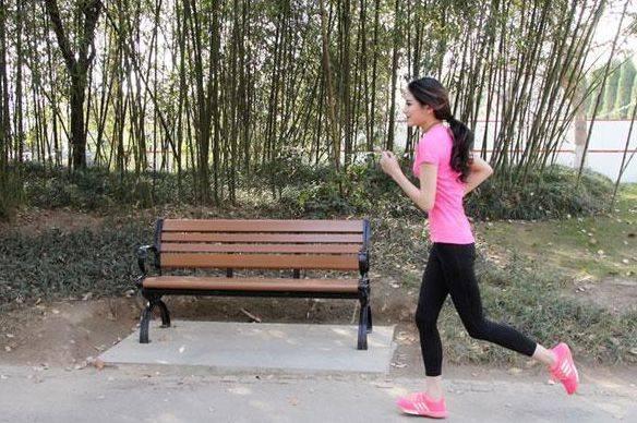每天慢跑一小时 用不了多久身体就会有可喜的变化