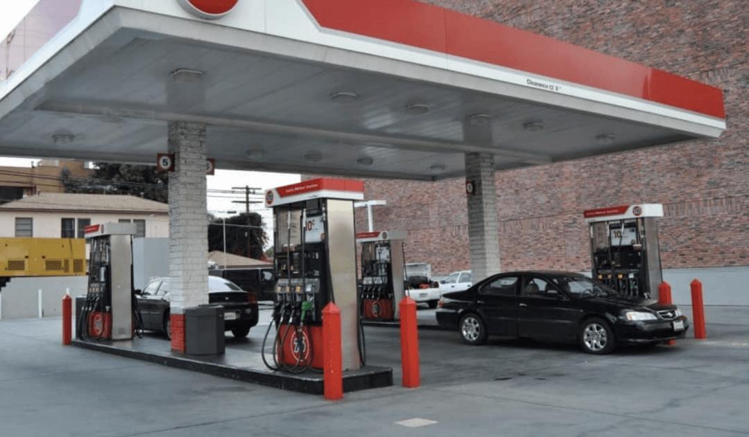 """车主个信""""裸奔""""只为优惠,第三方加油APP便宜了谁?"""