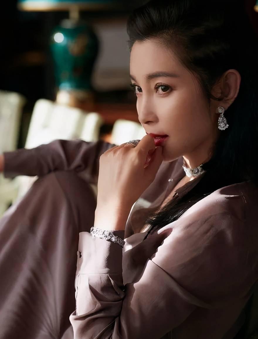 李冰冰47岁脏辫造型又美又飒!她十大影视角色太惊艳