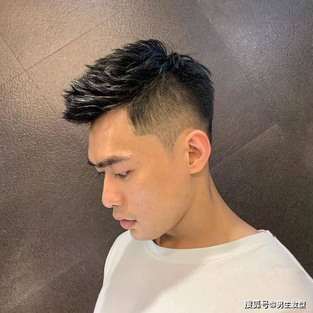 """男生秋季""""两边铲光""""短发,这4款潮流发型很帅气,跟着剪就对了"""