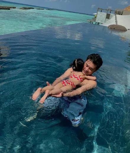 亲子游泳的好处这么多,你还不知道吗?