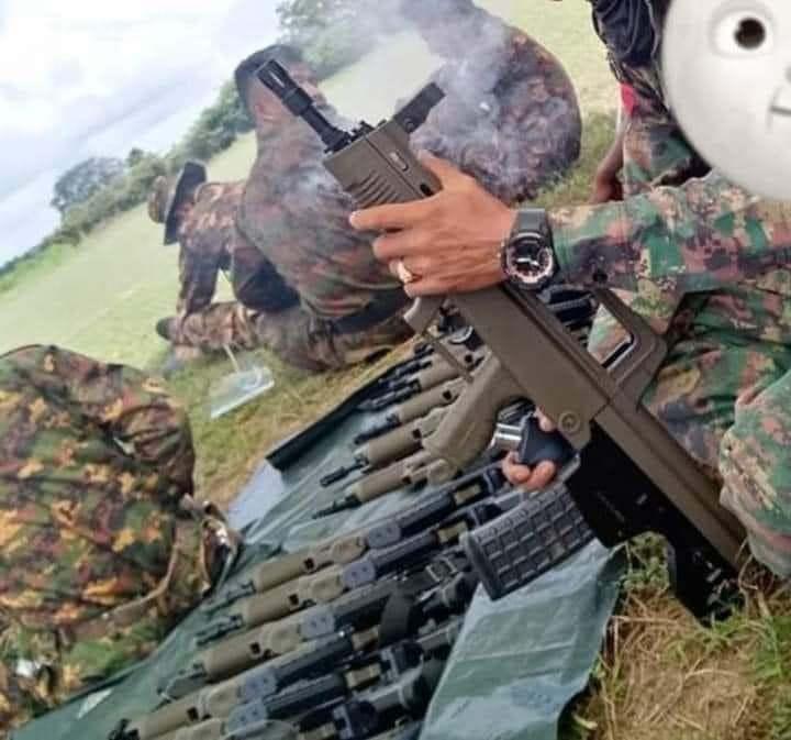 缅甸自制无托步枪出新型号?外观酷似国产99式5.56毫米自动步枪