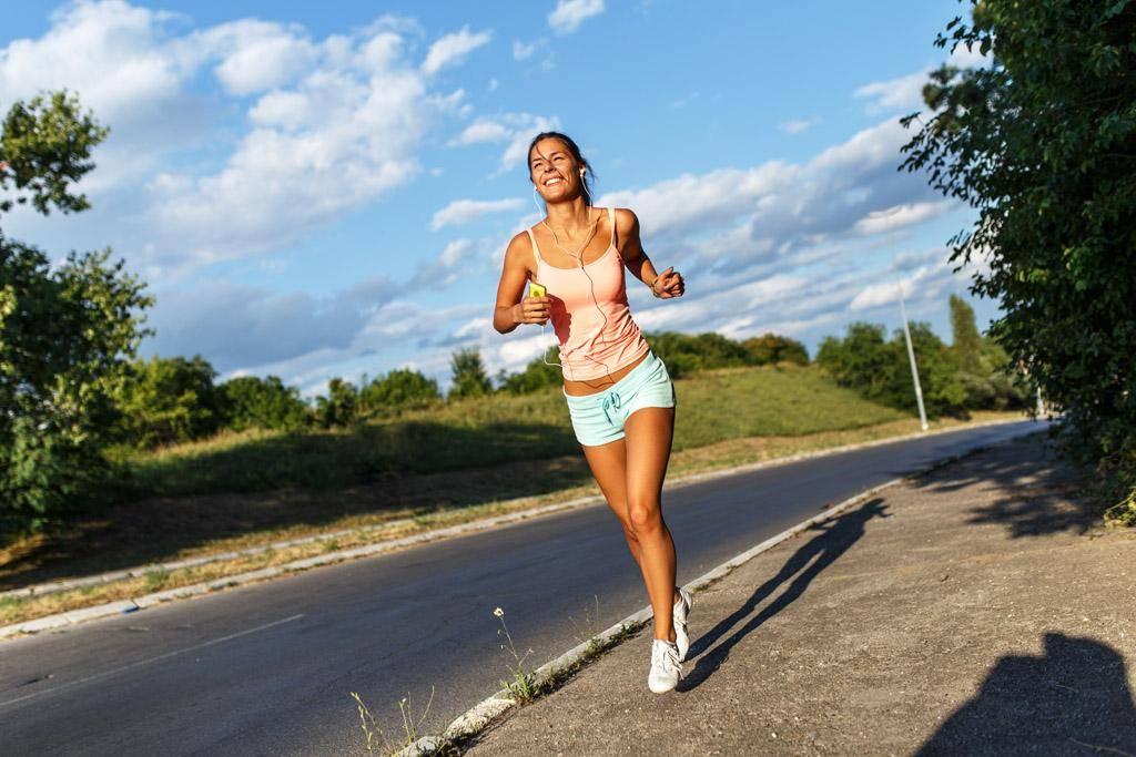 这啥体格?一女士怀孕9个月,5分25秒跑完一英里,平均1秒钟跑5米