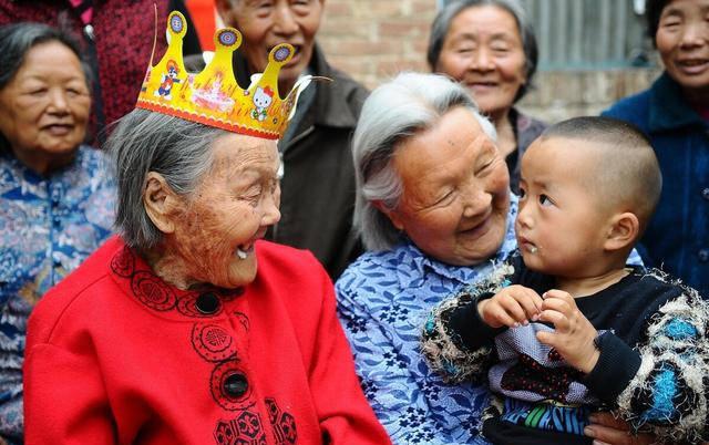 127岁湖南第一寿星仙逝,她的长寿秘诀有这4条,你能做到吗?