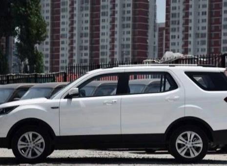 原长安欧尚CX70增加了1.6L手动挡车型,搭配轴距近2.8米的5速手动挡
