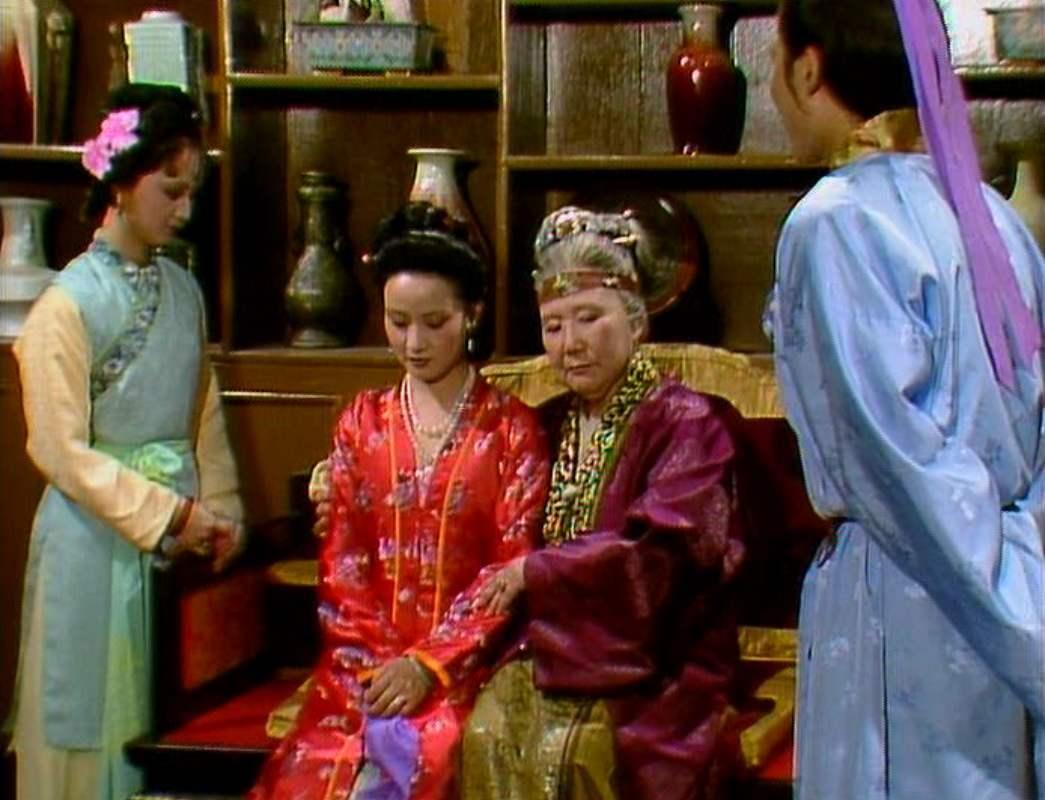 贾母为啥让声名狼藉的尤二姐,进了荣国府?王熙凤