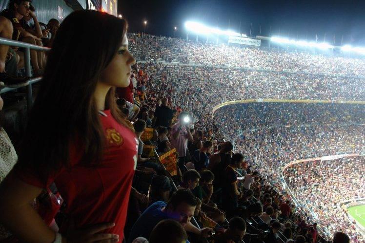 曼联请求让2.3万球迷入场不雅战!踢一场亏500万,索帅盼望不雅众回归