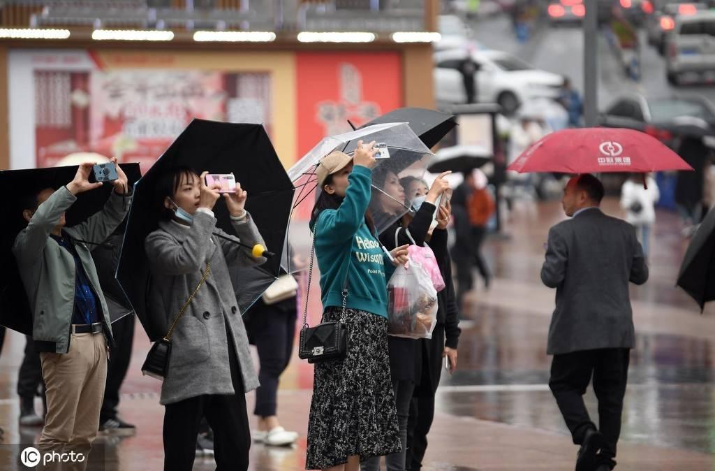 重庆现3788平方米裸眼3D巨幕(图3)