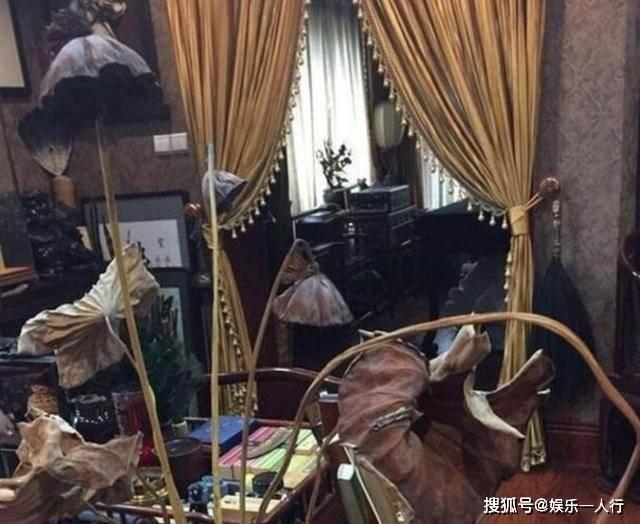晒晒演员郭德纲的豪宅,随手一件家具都是宝贝,古色古香像个古宅