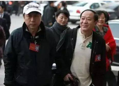 """曾登春晚14次,与冯巩是铁搭档,如今71岁的他靠""""走穴""""为生"""