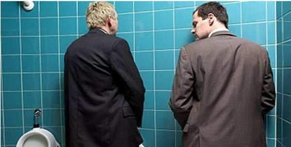 """提醒:若上厕所时,没有出现3种情况,说明""""前列腺""""还很好"""