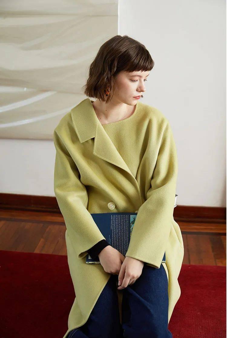 大衣,今年流行这几个颜色!_蓝色