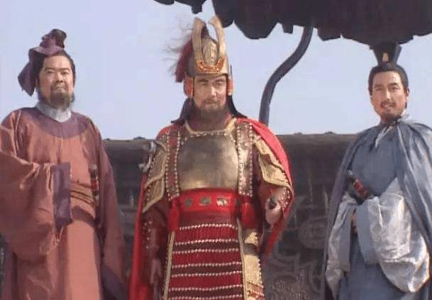 刘备身为县令,为何不能建立根据地,与曹操争霸北方9州?