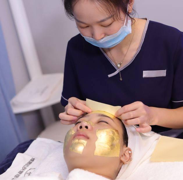 皮肤管理中心直接送与+1元换购哪个效果好?