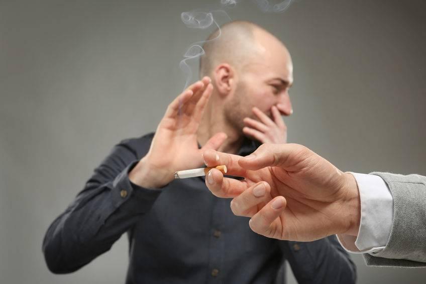 老烟民这次要小心了!吸烟后若出现这4个迹象,或许肺癌已盯上你