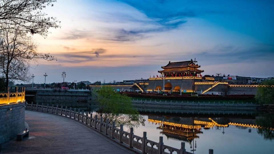 安徽最大方的一座历史文化名城,境内旅游资源