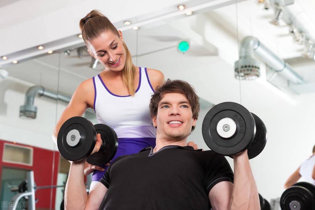 如何安排力量训练,一周训练几次,才能提高健身效率?
