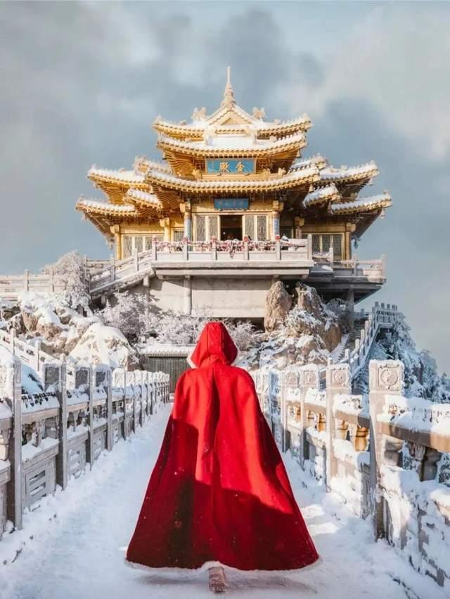 原创             王一博、宋茜联名代言的千年古都,一遇初雪美上热搜!