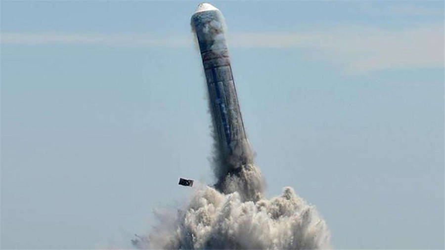 16枚洲际导弹224秒窜出水面!海面掀起巨大波浪,向世界发出警告