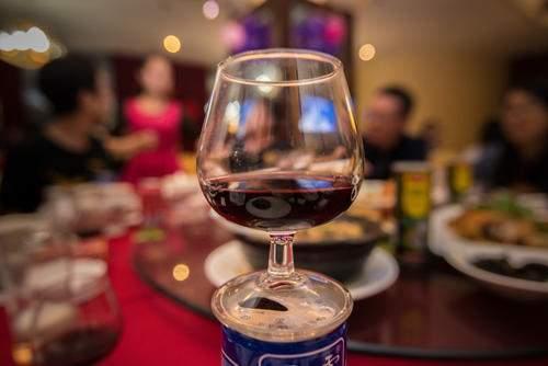 为什么很多人喝完酒会拉肚子?逃不开这3种原因,希望你早点知道