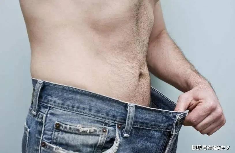 普通人坚持健身一年,变化能有多大?看完想滚去健身了……