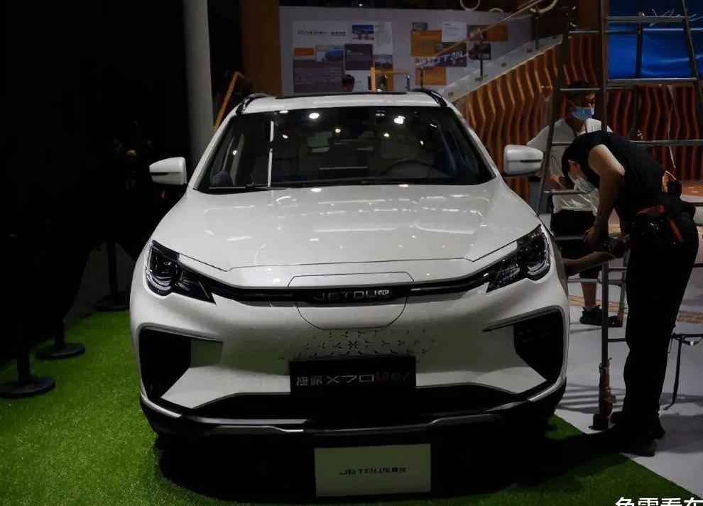 原创推迟了一年半,新款奇瑞捷途X70S EV亮相车展,细节略有不同
