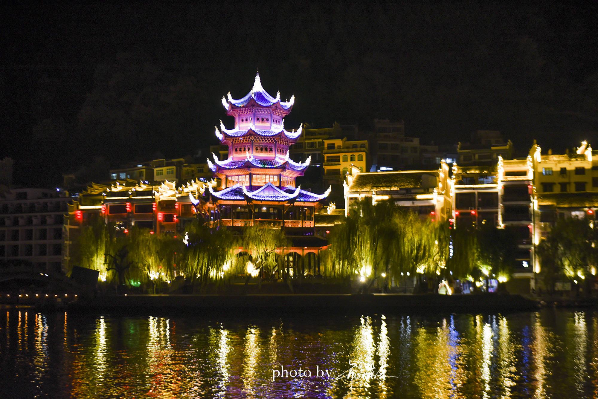 原创             贵州镇远古城有3家富户,2户当官1户经商,经商的家里堆满宝贝