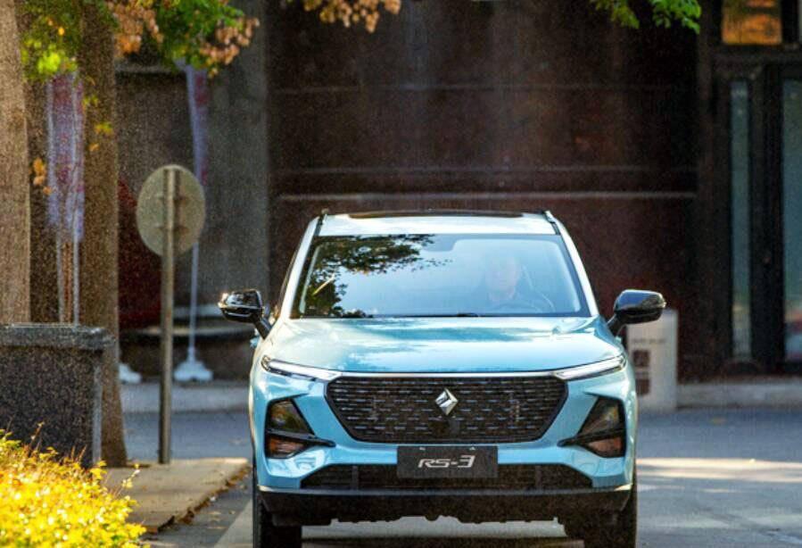 新宝军RS-3和哈弗H2原装哪个好,新一代小SUV魅力非凡