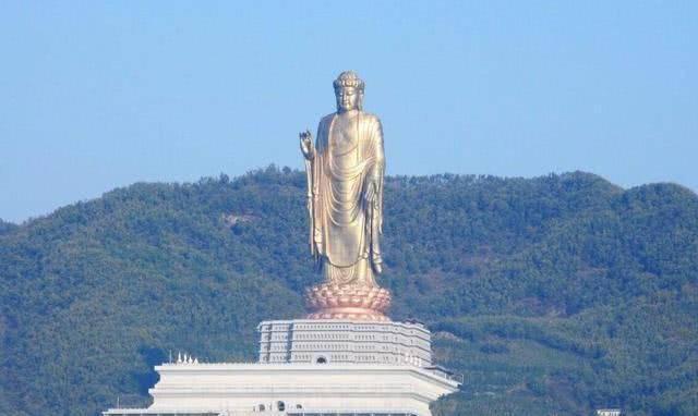 """世界最""""高""""佛像,佛像高度达108米,用216斤黄金打造而成"""