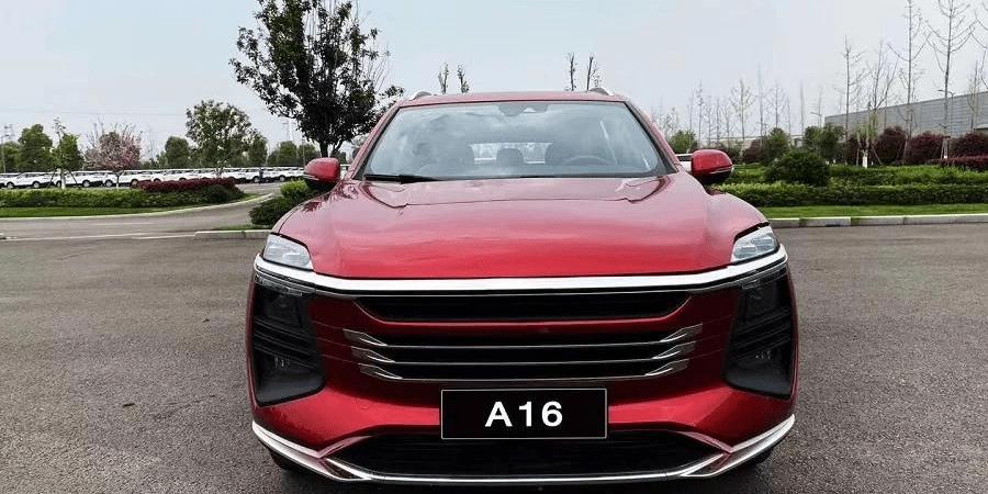 最初的Zotye概念SUV是汉龙汽车量产的,外观内饰外露。网友:Zotye应该已经量产了