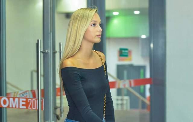 瓦尔加更新社交渠道!中超最美球星女友,晒17岁时和佩莱的合影