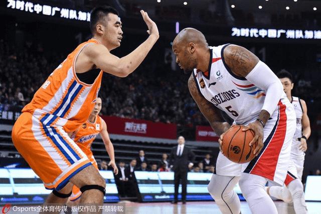 混日子真爽!前勇士NBA总冠军在广州混,早晚会被郭士强裁掉